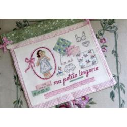 Pochette lingerie - Des Histoires à broder