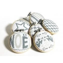 Les boules de Noël 4 - Lilipoints - semi-kit diagramme+toile